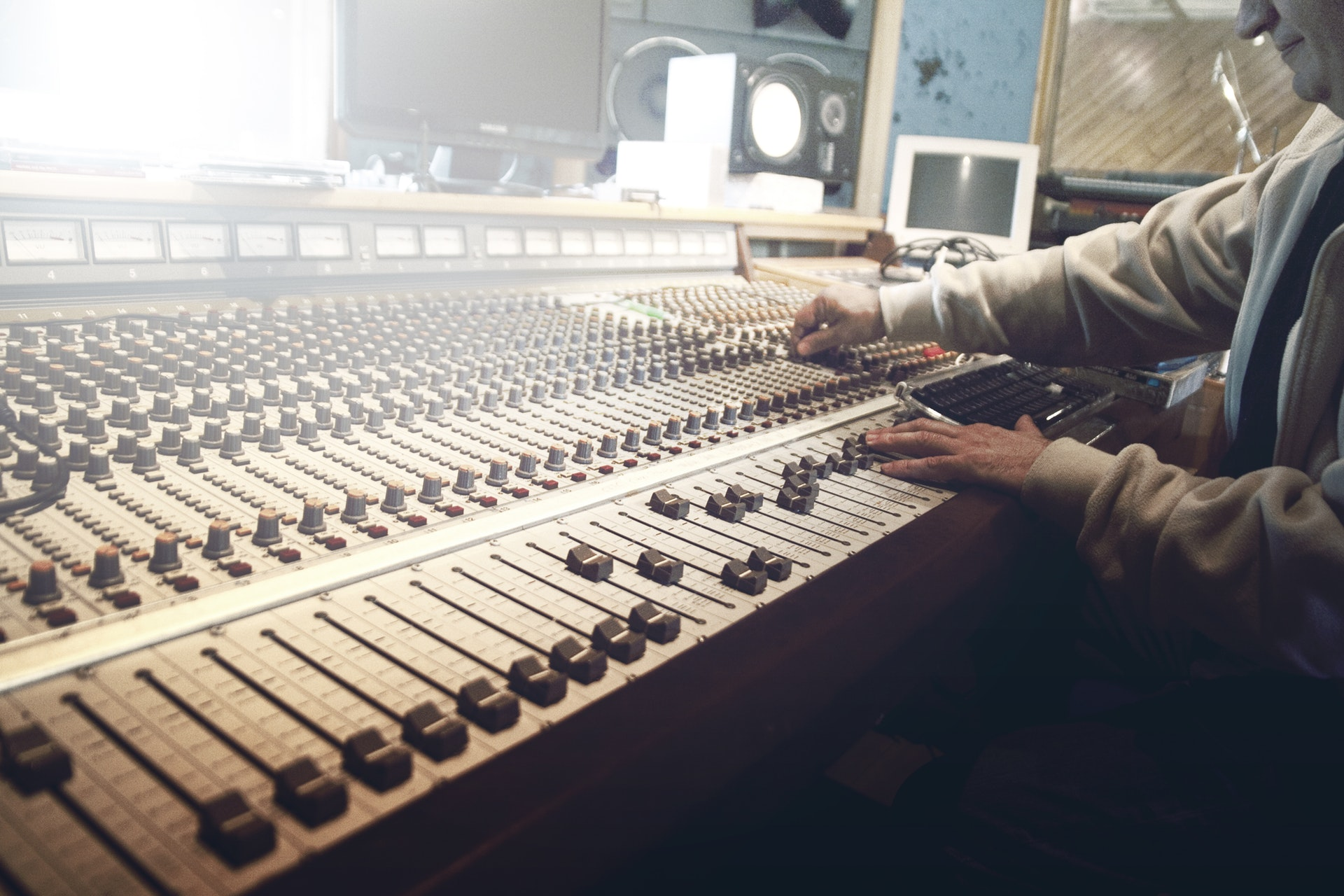 man-person-technology-music